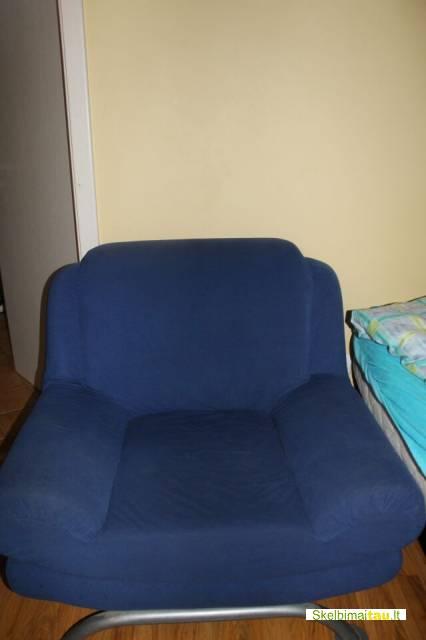 Melynas fotelis