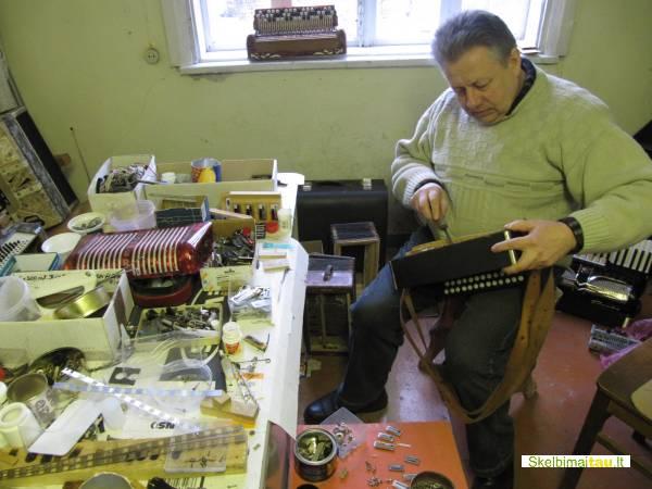 Armonikų ir akordeonų remontas