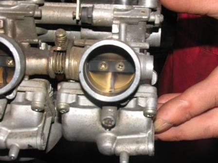 Dyzelinių, benzininių kuro sistemų ir purkštuku valymas.