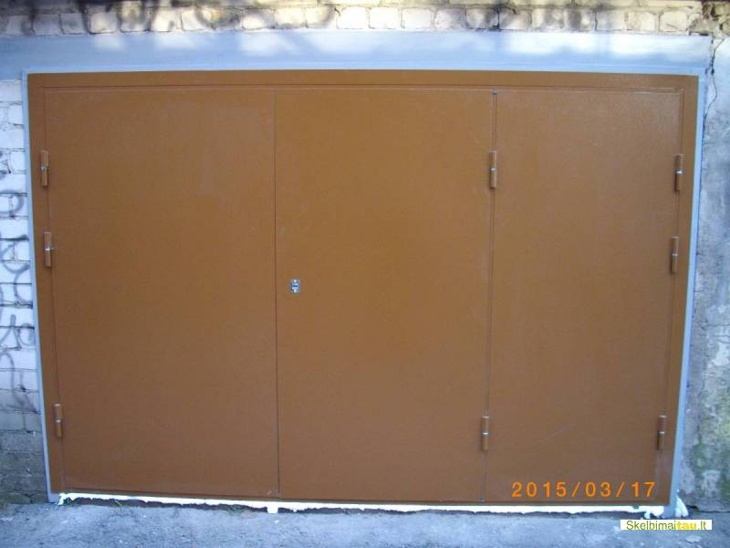 Metaliniai garazo vartai, sandeliuko durys